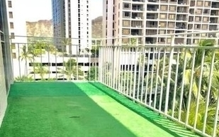artifical grass installed on a balcony in Waikiki, Hawaii